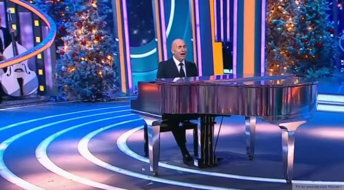 Никас Сафронов призвал обновить состав артистов на «голубых огоньках»