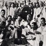 Первый справа сидит Л.Сафронов