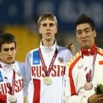 Дмитрий Сафронов  в центре